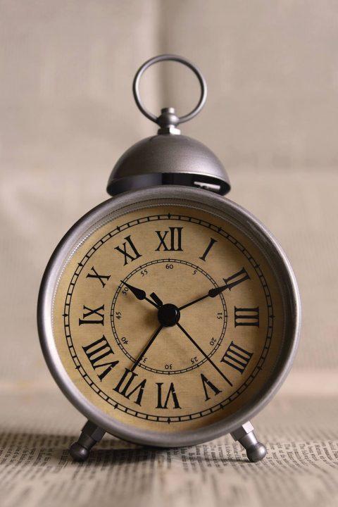 Tijd III – Kunnen we ooit door de tijd reizen?